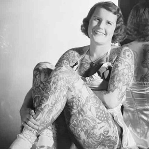 BroadBent pionera en el tatuaje femenino